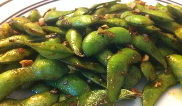 Edamame épicé : les fèves de soya fraîches