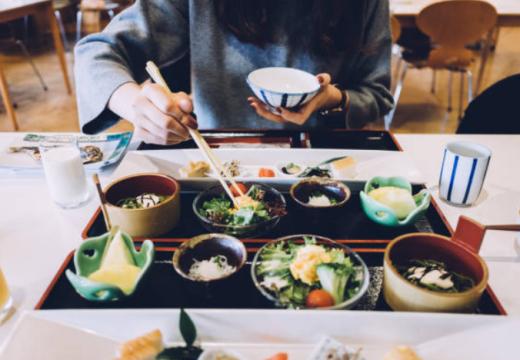 Guide : zoom sur les coutumes culinaires au Japon